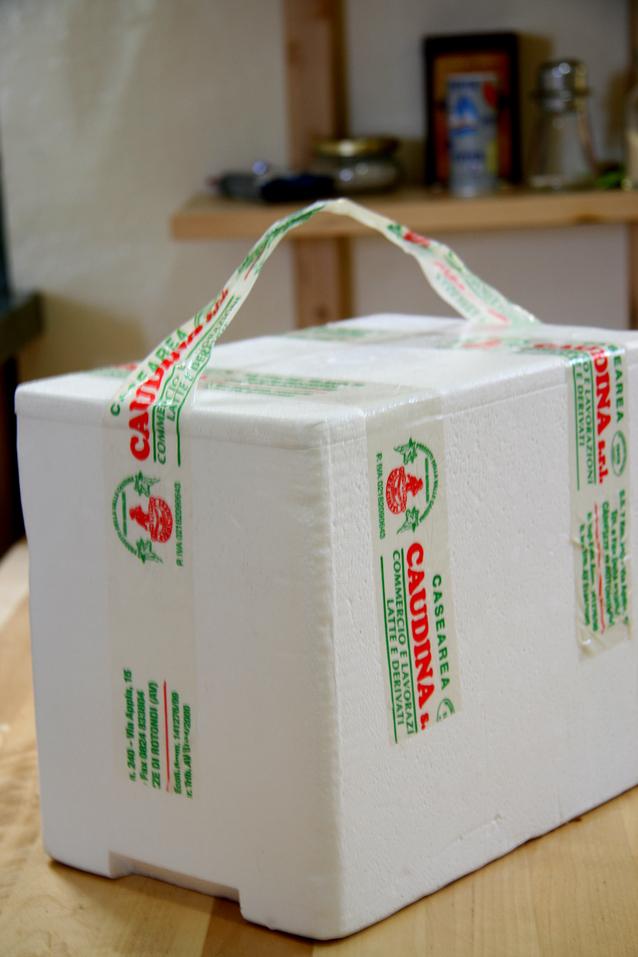 mozzarella-box